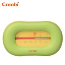 Đo nhiệt độ nước tắm cho bé Combi